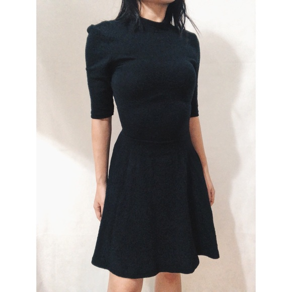 28d94d1dcb12 TOPSHOP • collar Stretchy Black Skater Dress US 2